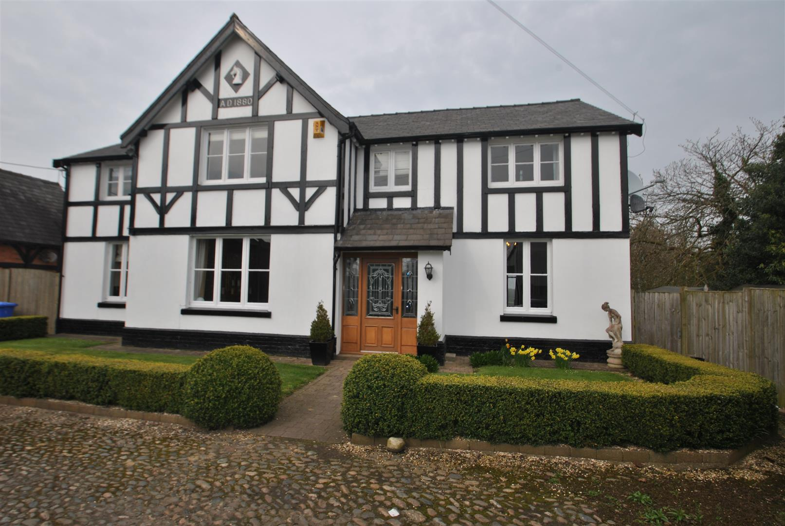 5 Bedrooms Detached House for sale in Cartridge Lane, GRAPPENHALL,, Warrington, WA4